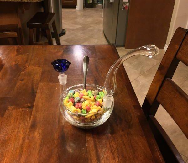 Breakfast bowl pipe